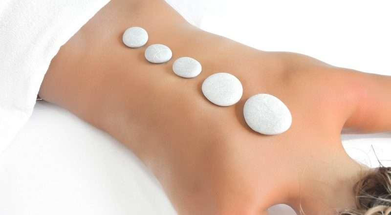 En que consiste el masaje con piedras volcánicas